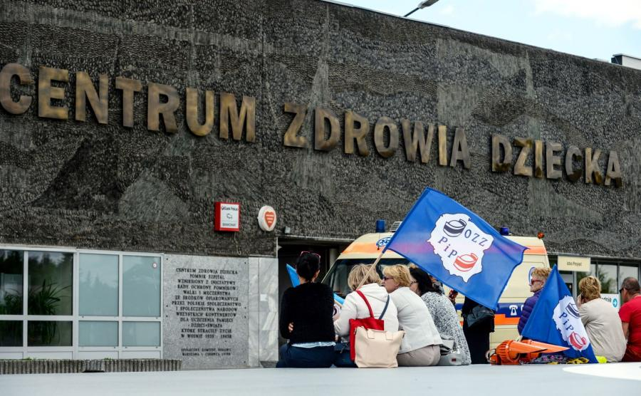 W Centrum Zdrowia Dziecka rozpoczął się 14 dzień strajku pielęgniarek i położnych