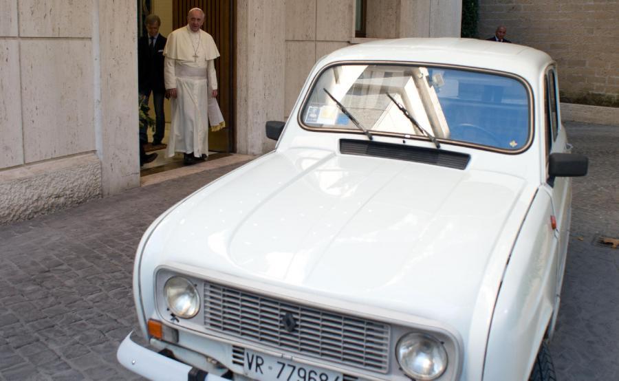Renault 4 papieża Franciszka
