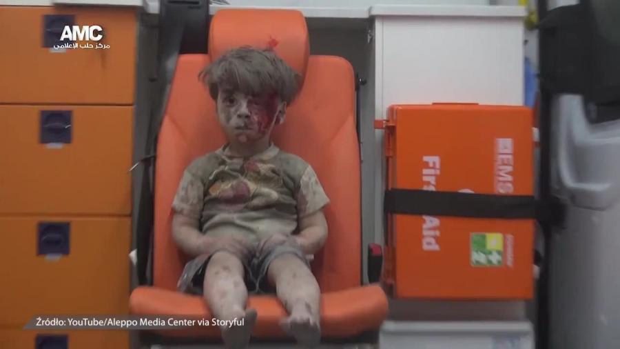 Przerażające zdjęcie chłopca z Aleppo pokazuje koszmar wojny w Syrii