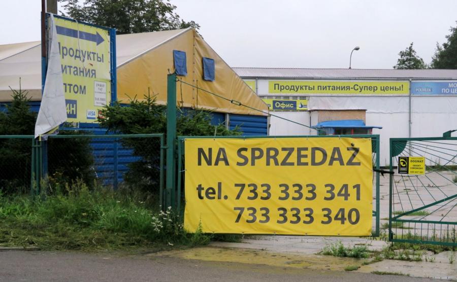 Wystawione na sprzedaż nieczynne sklepy i hurtownie w Braniewie, nastawione na klientów z Rosji