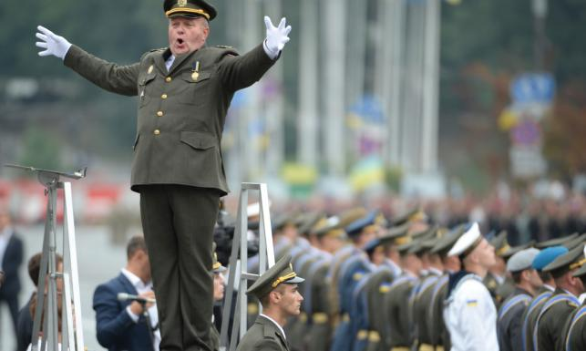 Czołgi, weterani z Donbasu, polscy żołnierze i prezydent Duda. Wielka parada w Kijowie