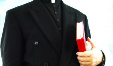 """""""Biskupi chronią księży pedofilów"""""""