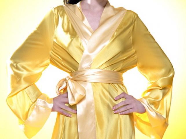 Vikki Blows reklamuje bieliznę w sesji stylizowanej na cukierkowe lata 50.