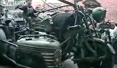 Ten motocykl jest jak czołg