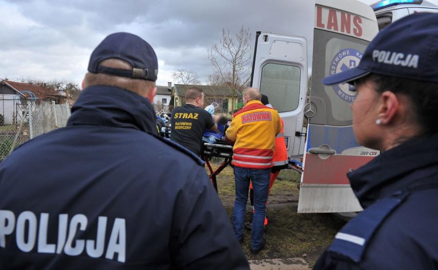 Akcja ratunkowa w Szczecinie. Pod chłopcami załamał się lód